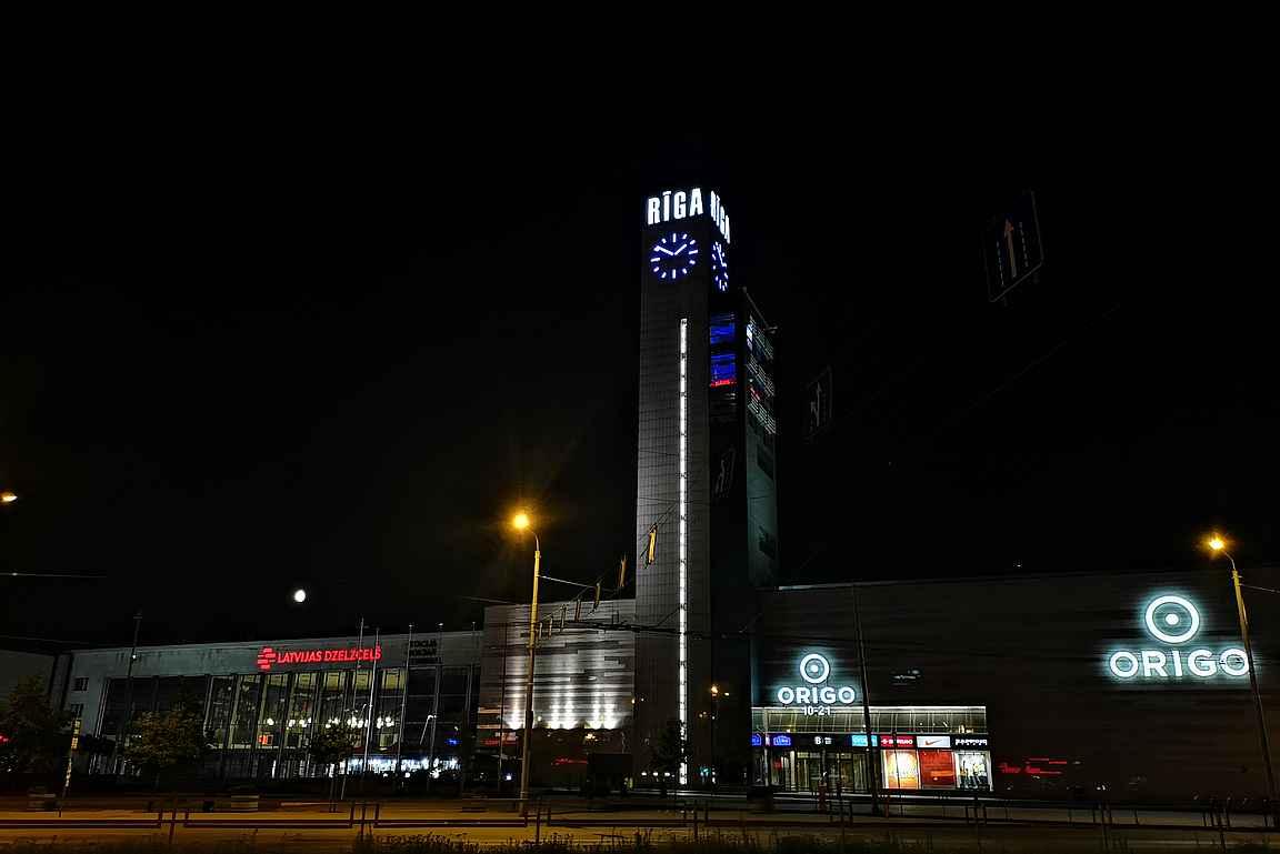 Riika by Night - kaupunki on öisin kiehtovimmillaan.