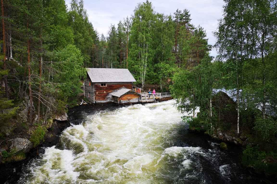 Myllykoski on Oulangan kansallispuiston kauniimpia kohteita.