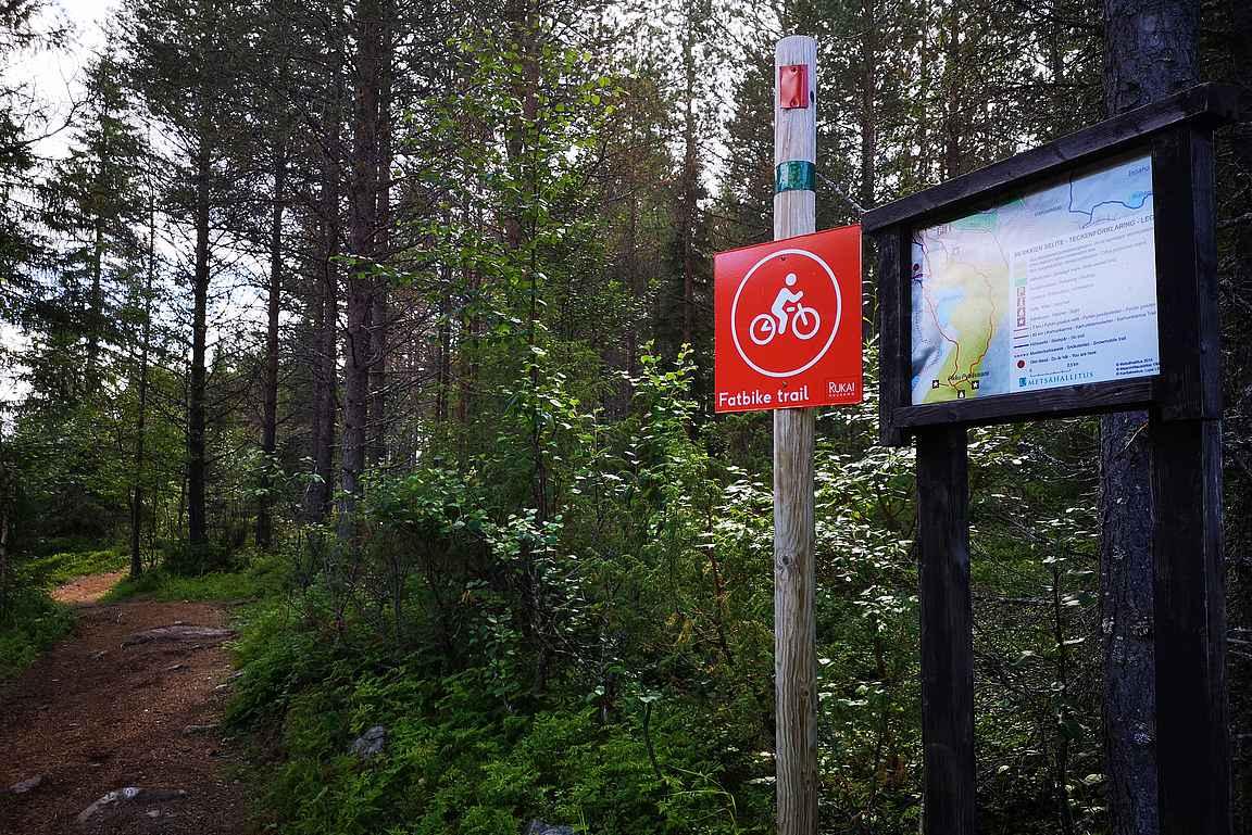 Vaikka reitit ovat pääsääntöisesti hyvin merkattu, niin ilman karttaa ei kannata lähteä matkaan.