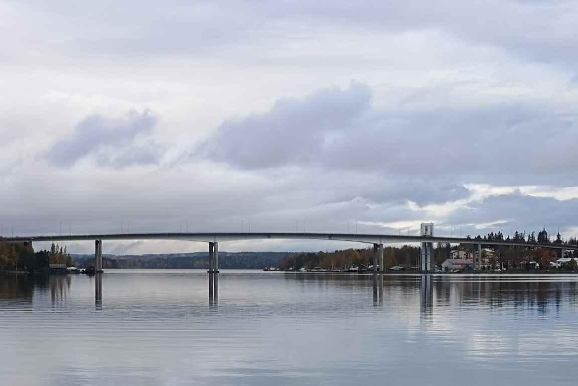 Puumalan silta ja Saimaa on kauneimpia tieosuuksia Suomessa.