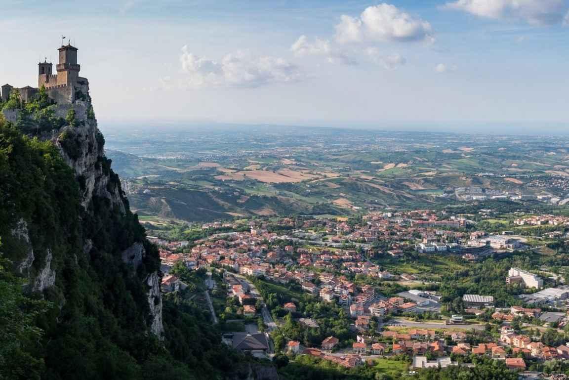 San Marino on vähintään päiväretkeinen arvoinen kohde pitkällä historiallaan.