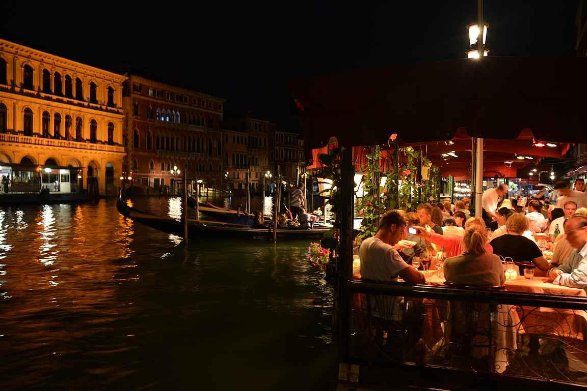 Parasta Venetsiassa on illat kanaalien varrella.