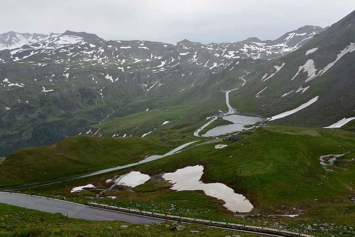 ... tällaiset oli totuus sateessa. Alpeilla keli merkitsee todella paljon, kolmentonnin vuoret nappaa pilvet syleilyynsä kyllä jos paikka tulee.