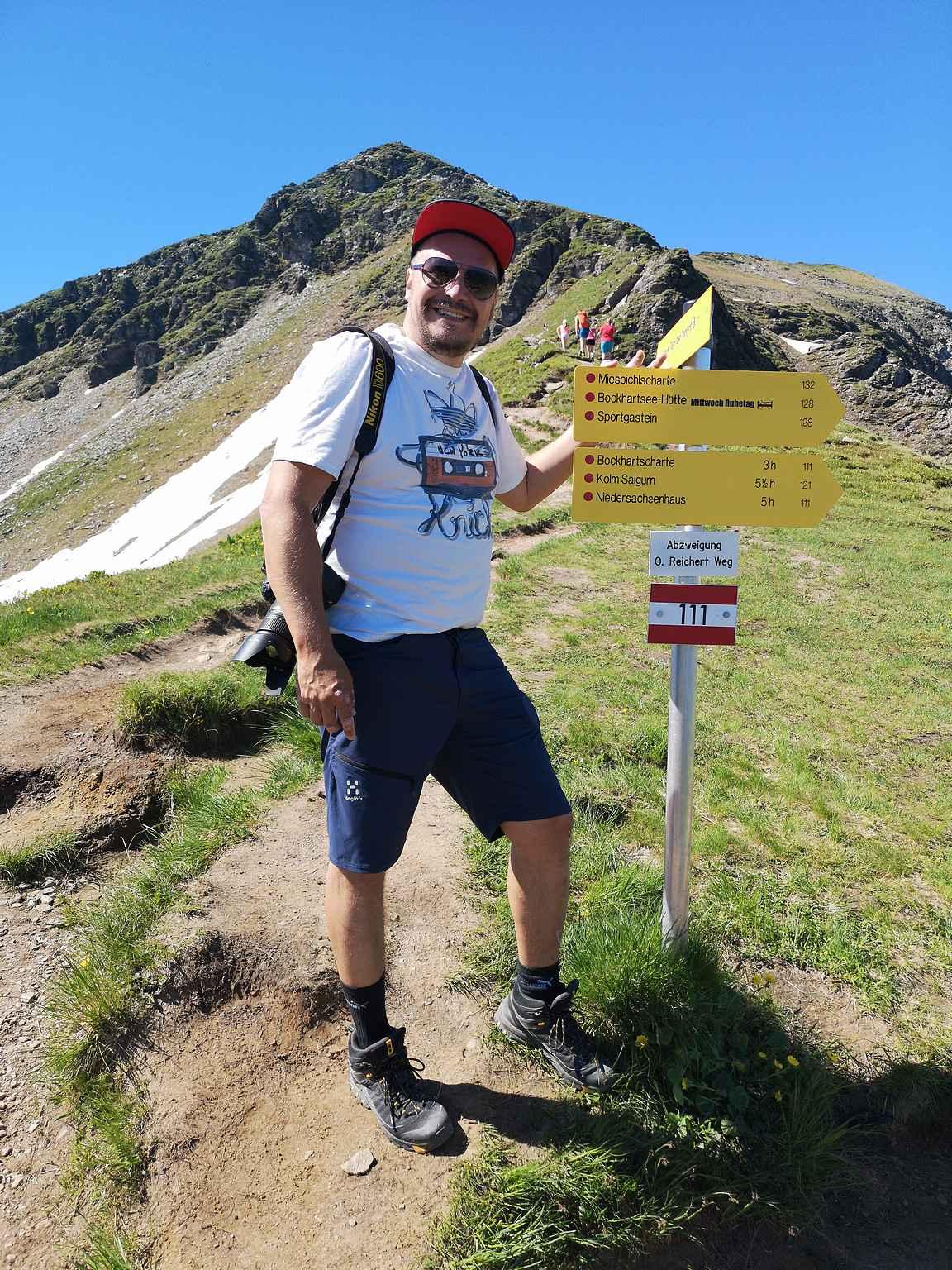 Reitti 34 lähtee kiipeämään kohti Tischkogelin huippua.