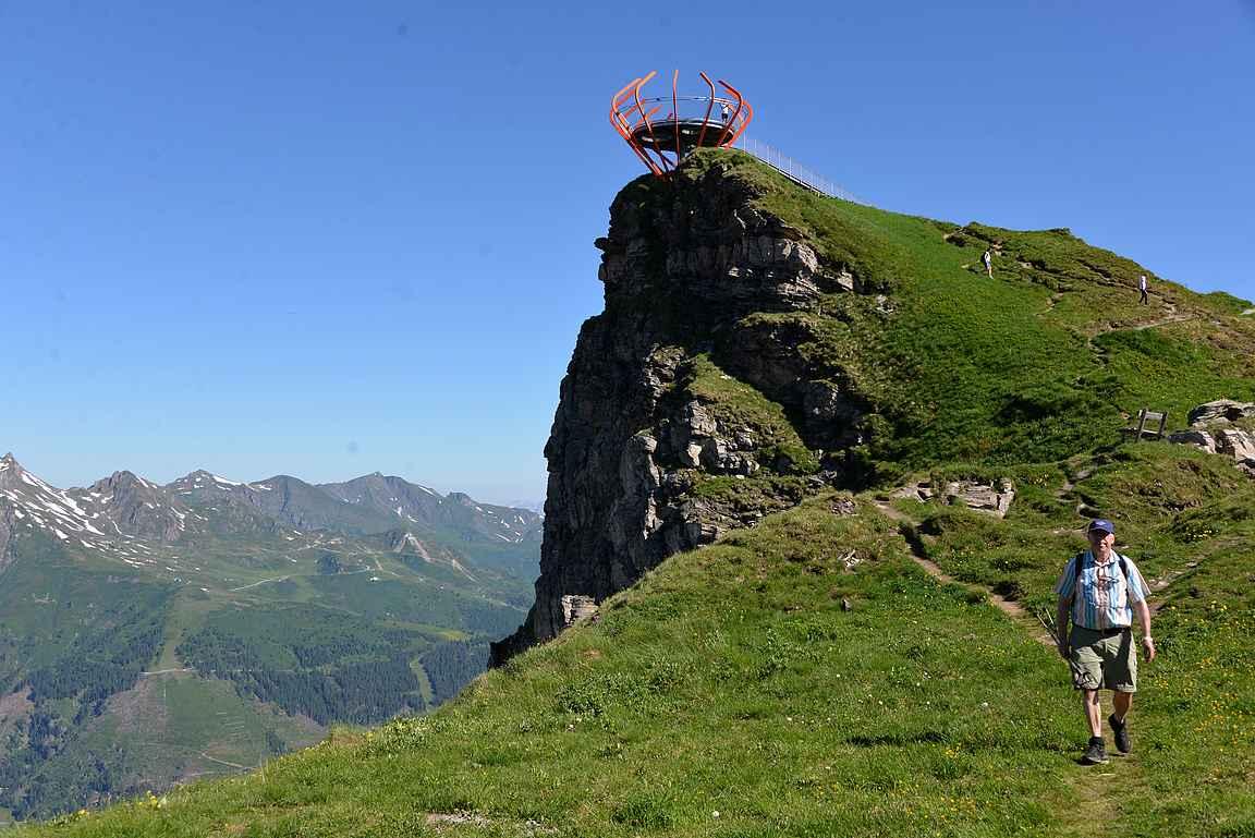 Felsenwegille näytti olevan pelkkää alamäkeä, mutta korkeuskäyrät muuttuvat Alpeilla nopeasti.