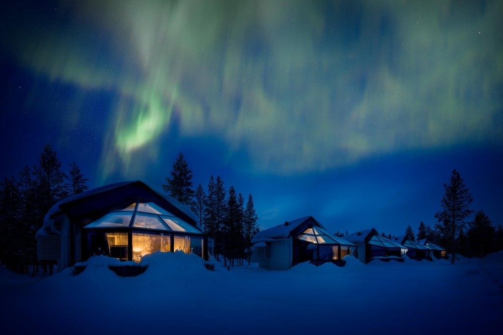 Revontulet iglujen yllä copyright Santa's Igloos Arctic Circle
