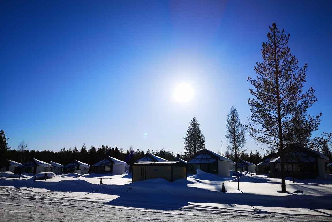Santa's Igloos Arctic Circle lasi-iglukylä.