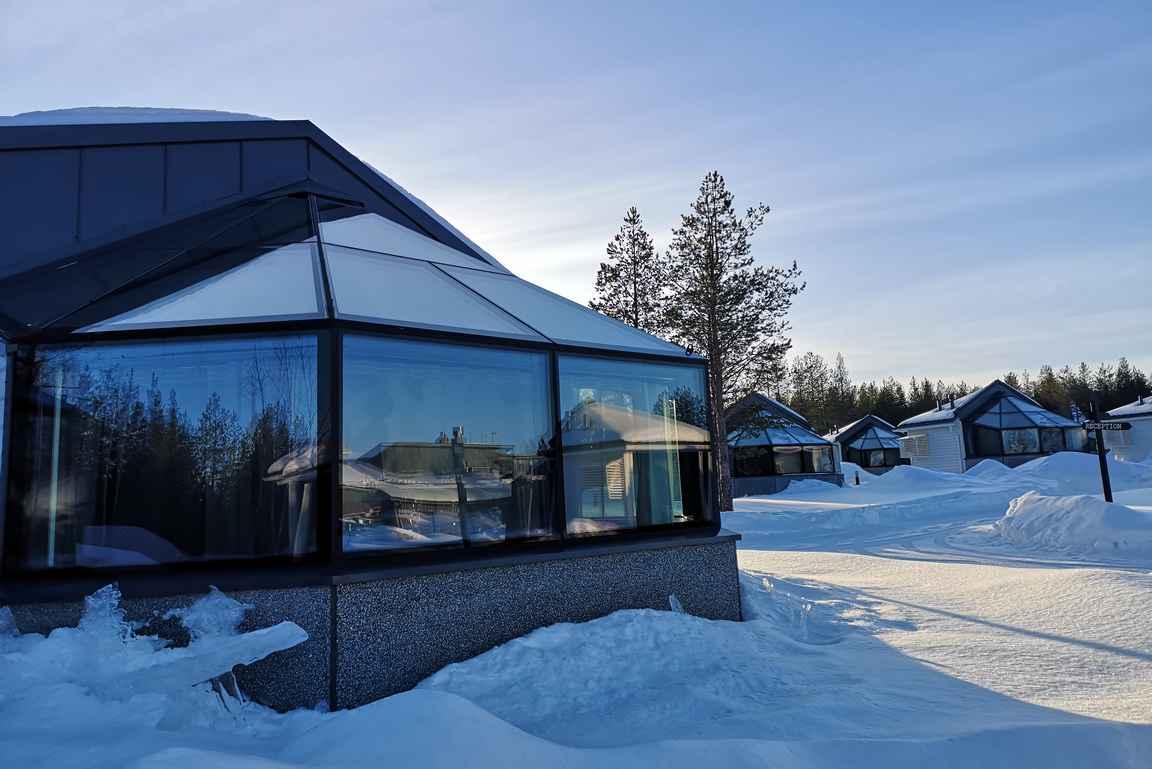 Lasi-iglu hotelli Rovaniemellä.