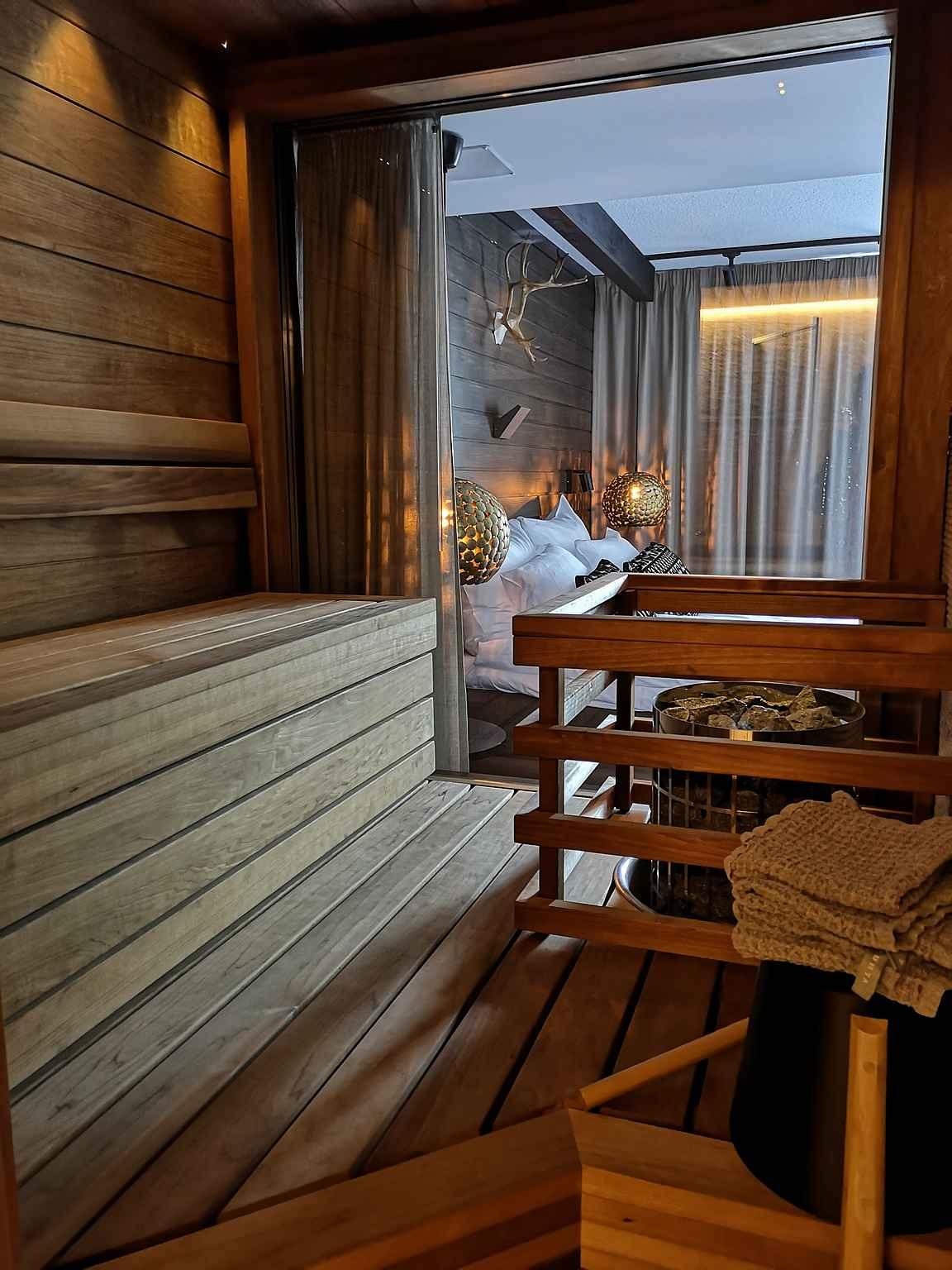 ... ja sauna tosi upea!