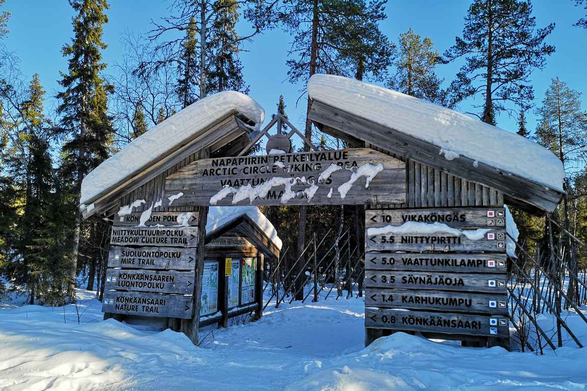 Napapiirin retkeilyalueen reitit ovat 15 kilometrin päässä Santa's Igloos'ta.