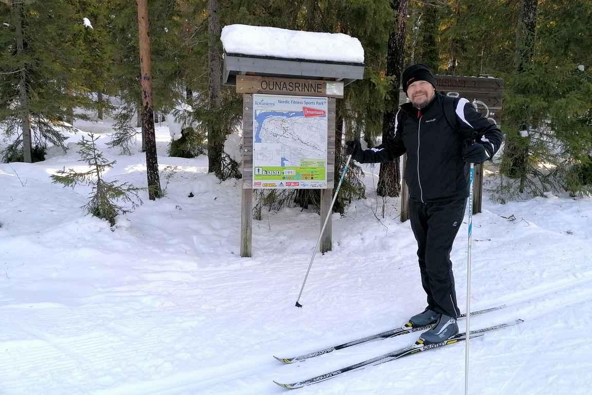 Ounasvaaran hyväkuntoisilla laduilla on mukava hiihdellä huolletuilla välineillä.