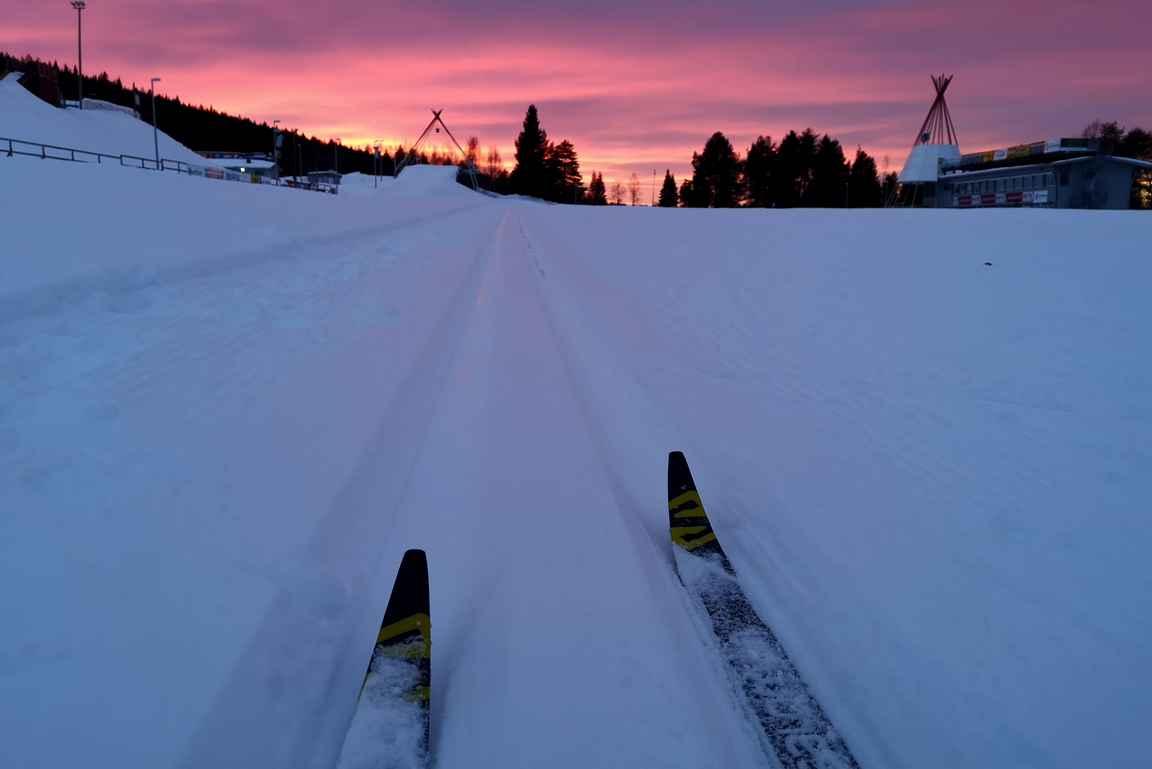 Päivän vaihtuessa illaksi on Rovaniemellä tarjolla 50 km valaistuja latuja.