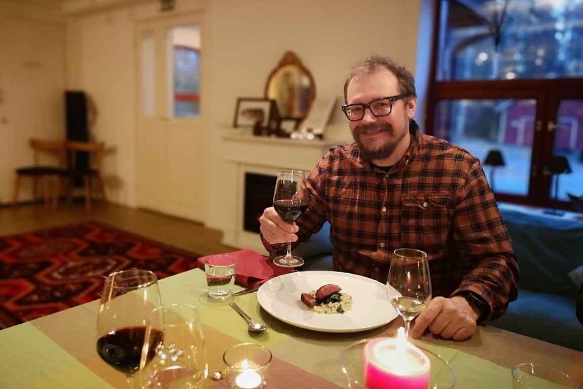Makumatkalla Raaseporissa ravintola Calliolan maistelumenua nauttimassa.