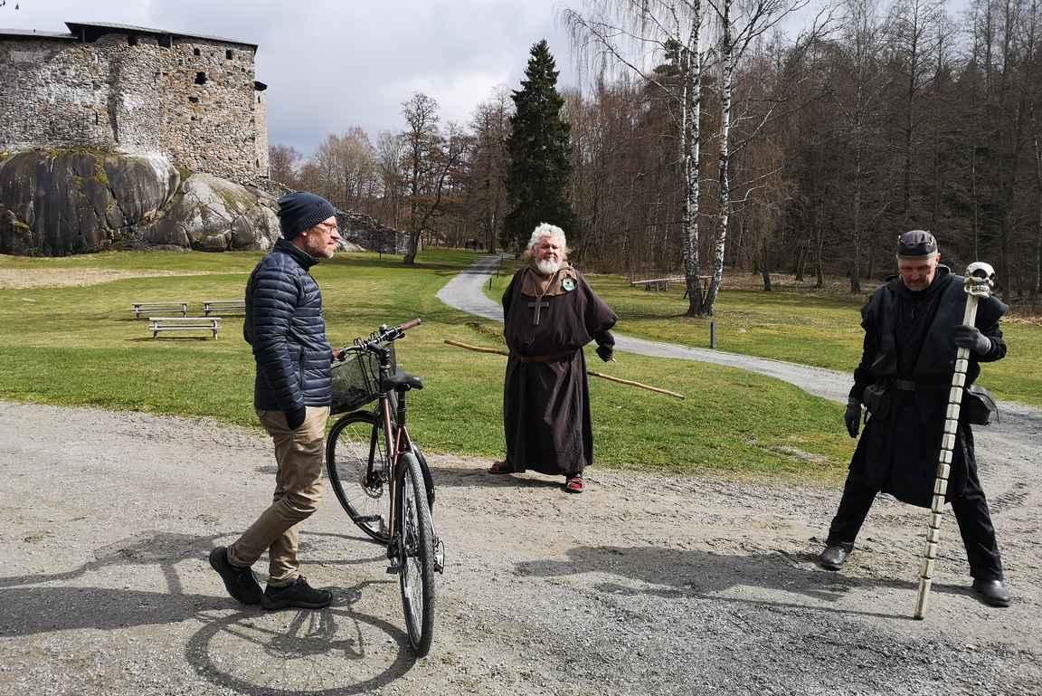 Raaseporin linnaan tutustutiin pyöräillen.