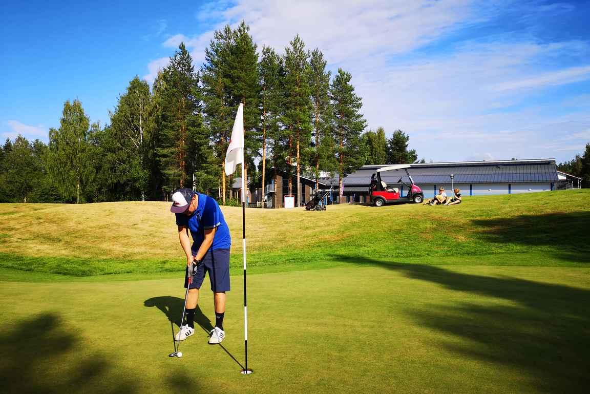 Katinkulta on erinomainen koko perheen aktiivilomailu ja golfkohde.