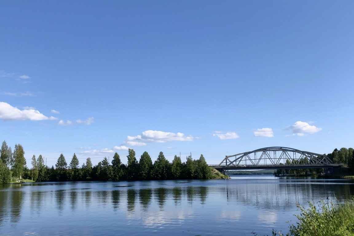 Paltamon sillat ovat upea näky Eino Leinon puistosta.