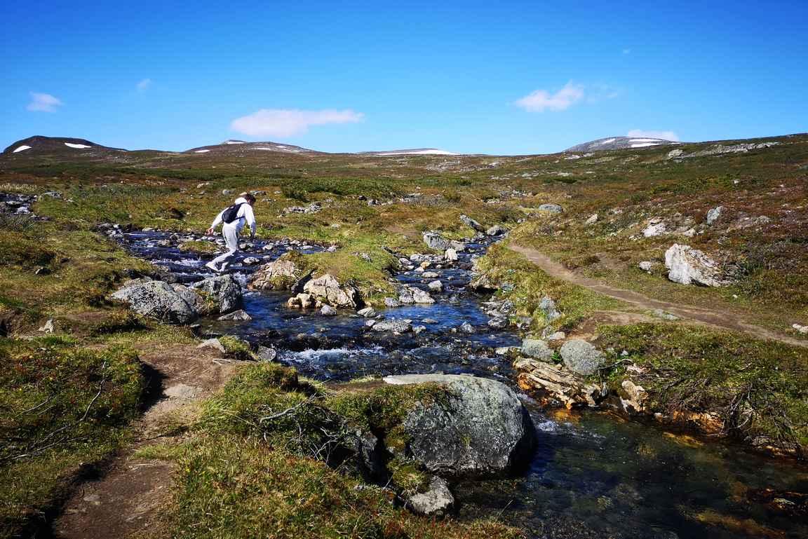 Rássája -tunturipuron ylitys oli reissun vaativin kohta, mitä tuli kuivin jaloin retkeilemiseen.