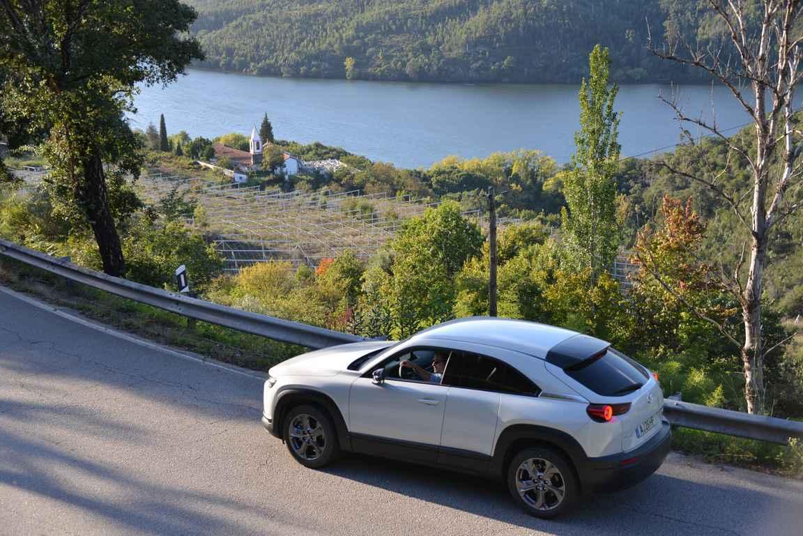 Dourojoen laakso on yksi Euroopan parhaista autolomakohteista.