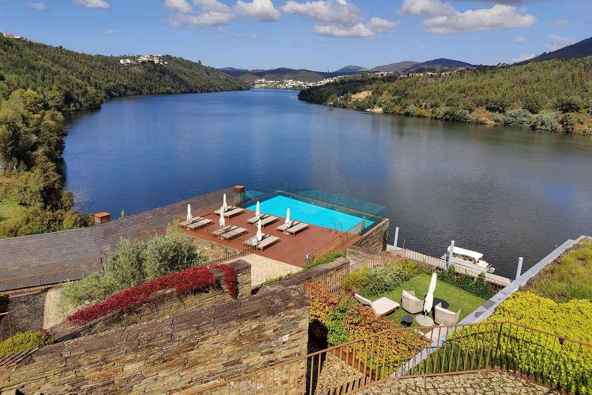 Douro41 Hotel & Spa tarjoilee upeat puitteet rentoutumiseen ja Dourolaaksoon tutustumiseen.