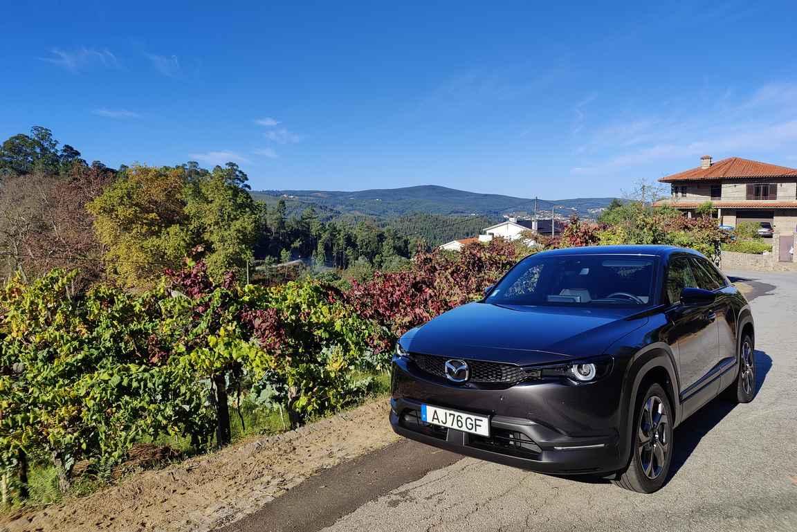 Mazda MX-30 – vastuullisemman autoilun puolesta