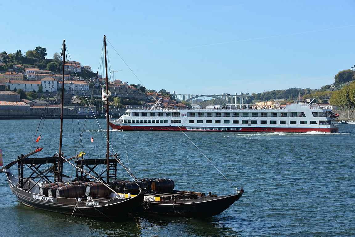Portosta voi tehdä lyhyitä kaupunkiristeilyjä tai pidempiä yönyliristeilyjä Dourojoelle.
