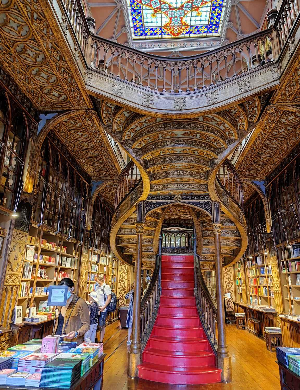 Liveria Lello - maailman kaunein kirjakauppa?