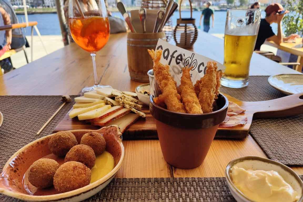 Petiscot eli pienet jaettavat annokset kuuluvat portugalilaiseen keittiöön.